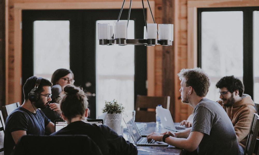 Unser Rhetorik-Workshop zu konstruktivem Konfliktlösen kann den Erfolg von Unternehmen maßgeblich verbessern.